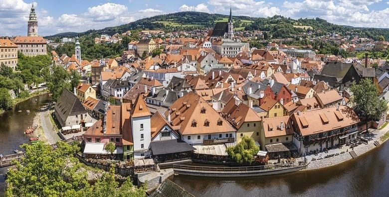 [DVORCI JUŽNE ČEŠKE] Oduševite se prekrasnim dvorcima Krumlov, Rožmberk i Hluboka te degustirajte čuveno češko pivo Budweiser za 990 kn!
