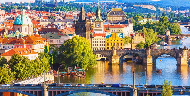Proljeće u Pragu - 3 dana s doručkom i prijevozom za 699 kn!