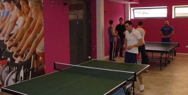 Stolni tenis -  10 sati najma terena, stola i rekvizita - slika 3